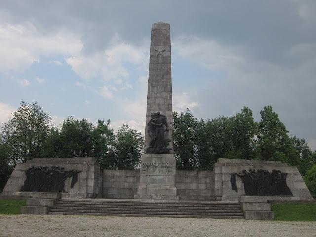 Soviet Union Monument, Mauthausen Concentration Camp, Vienna / SouvenirChronicles.blogspot.com