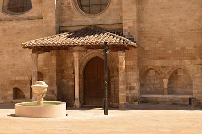 entrada a la iglesia de san esteban, burgos