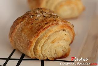 http://www.directoalpaladar.com/recetas-de-panes/receta-de-pan-de-mantequilla-y-tomillo