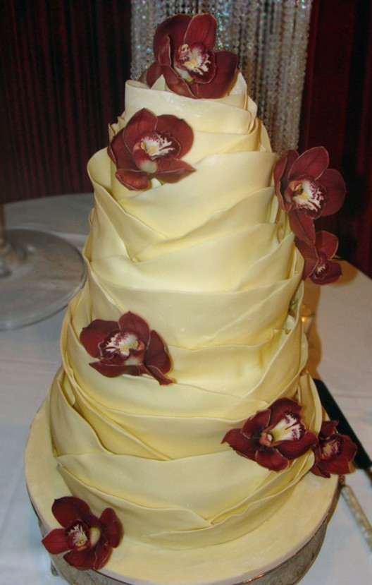 creative yellow wedding cakes