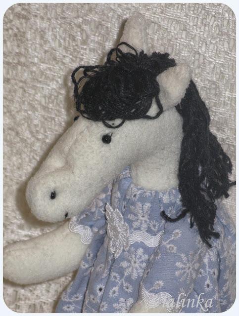 Конь, символ года, лошадь, новый год