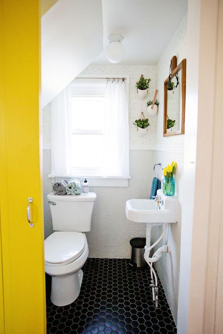 Aesthetic Oiseau: Black Hexagon Bathroom Floor