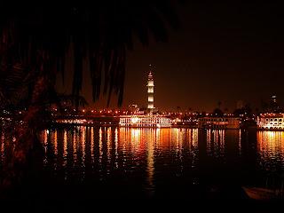 http://4.bp.blogspot.com/-GwzCbzXrOEw/TbTAh-tIVEI/AAAAAAAAIg0/rkg7kceWDsk/s1600/Cairo-by-night+%252818%2529.JPG
