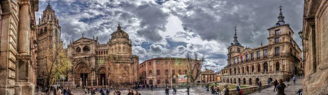 PLAZA DEL AYUNTAMIENTO (CATEDRAL, PALACIO DE JUSTICIA Y AYUNTAMIENTO)