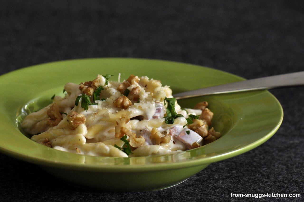 Pasta mit Parmesan-Zitronen-Sosse