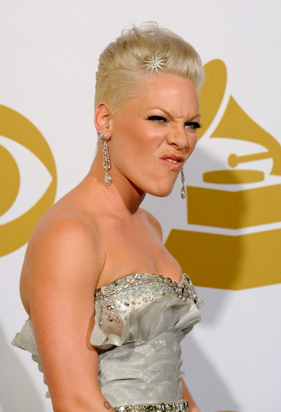 Hairstyles For The Singer Pink   newhairstylesformen2014.com