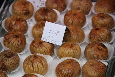 Higos rellenos de bloc de foie gras. Blog Esteban Capdevila