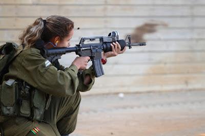 Frauen im Kampf - 8 Nationen mit Frauen in Kampf