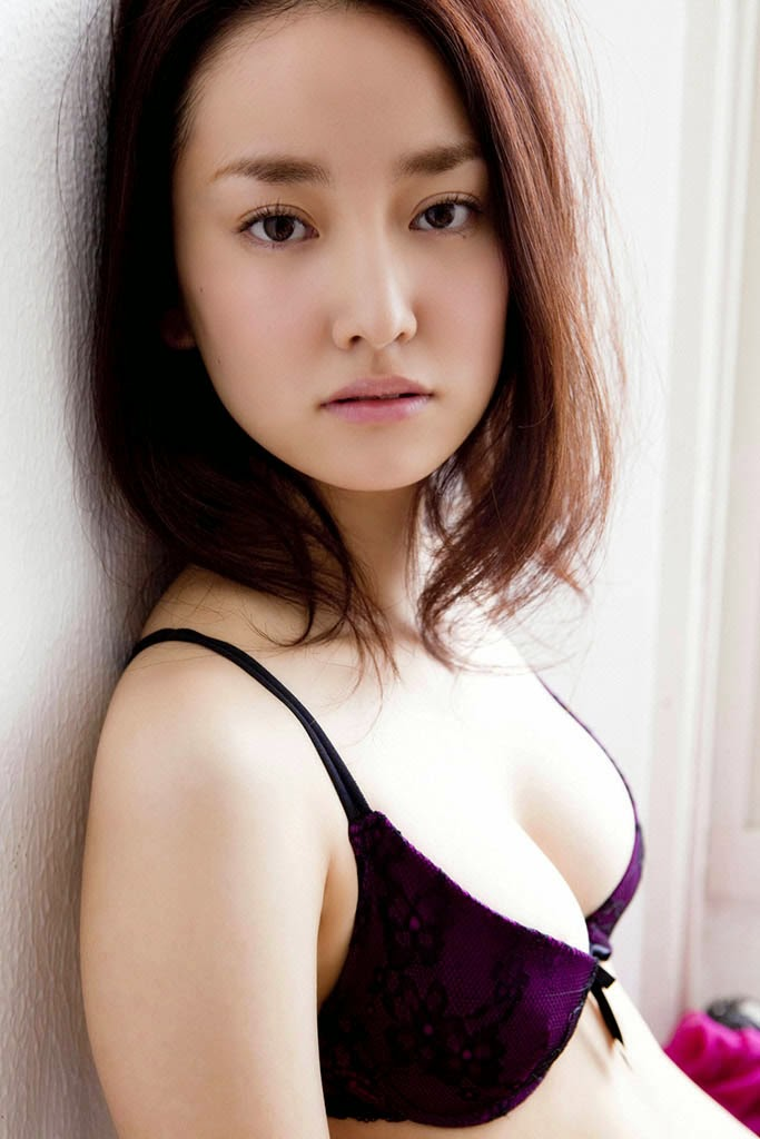 natsuko nagaike sexy bikini pics 05