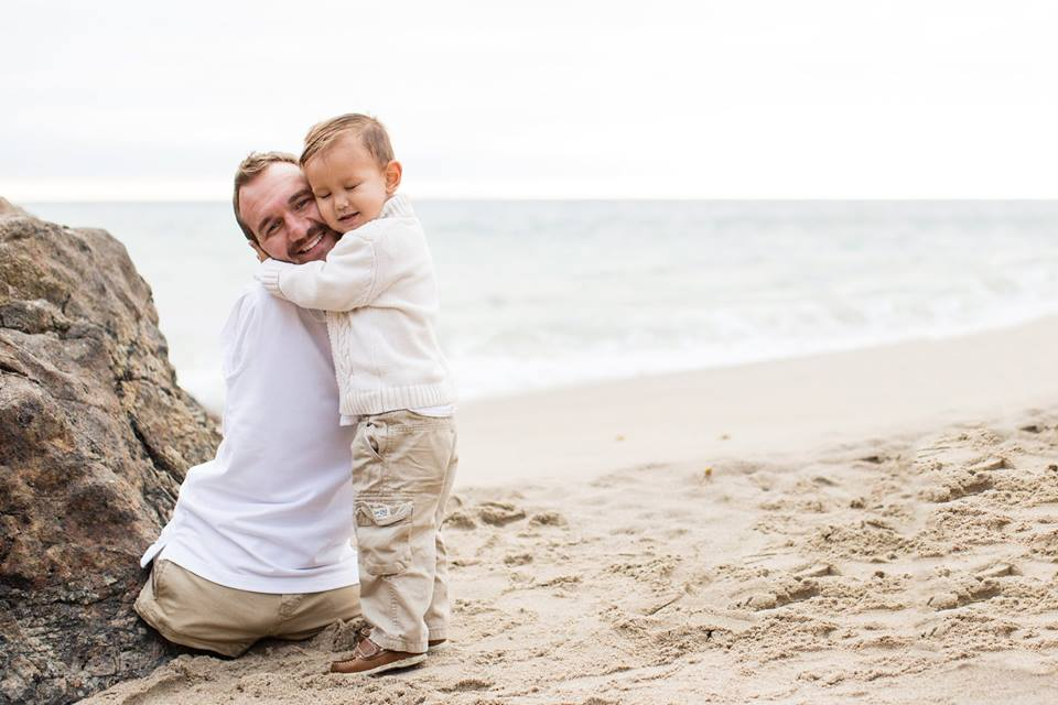 Man Born Without Limbs, Nick Vujicic, Shows Off His Heavily Pregnant Wife And Son