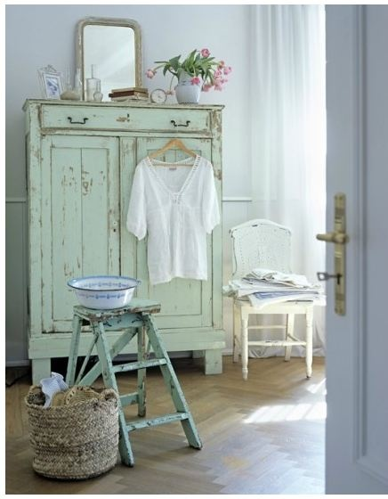 shabby in distressed furniture ideas