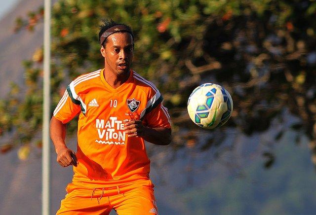 Ronaldinho Gaúcho é uma das esperanças de gol do Flu, mas ainda não desencantou com a camisa tricolor (Foto: Nelson Perez/FFC)