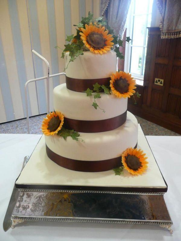 Torte Matrimonio Girasoli : Sunflower chocolate cake