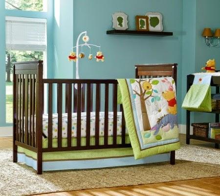 tempat tidur bayi laki-laki