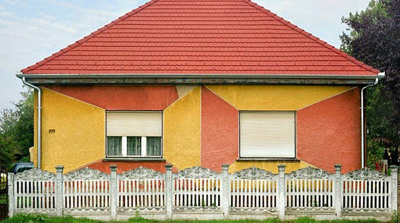 Fotógrafa Katharina Roters documenta las subversivas decoraciones geométricas de casas húngaras
