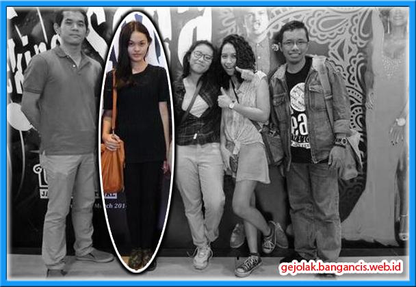 Koleksi Foto Mendiang Ade Sara