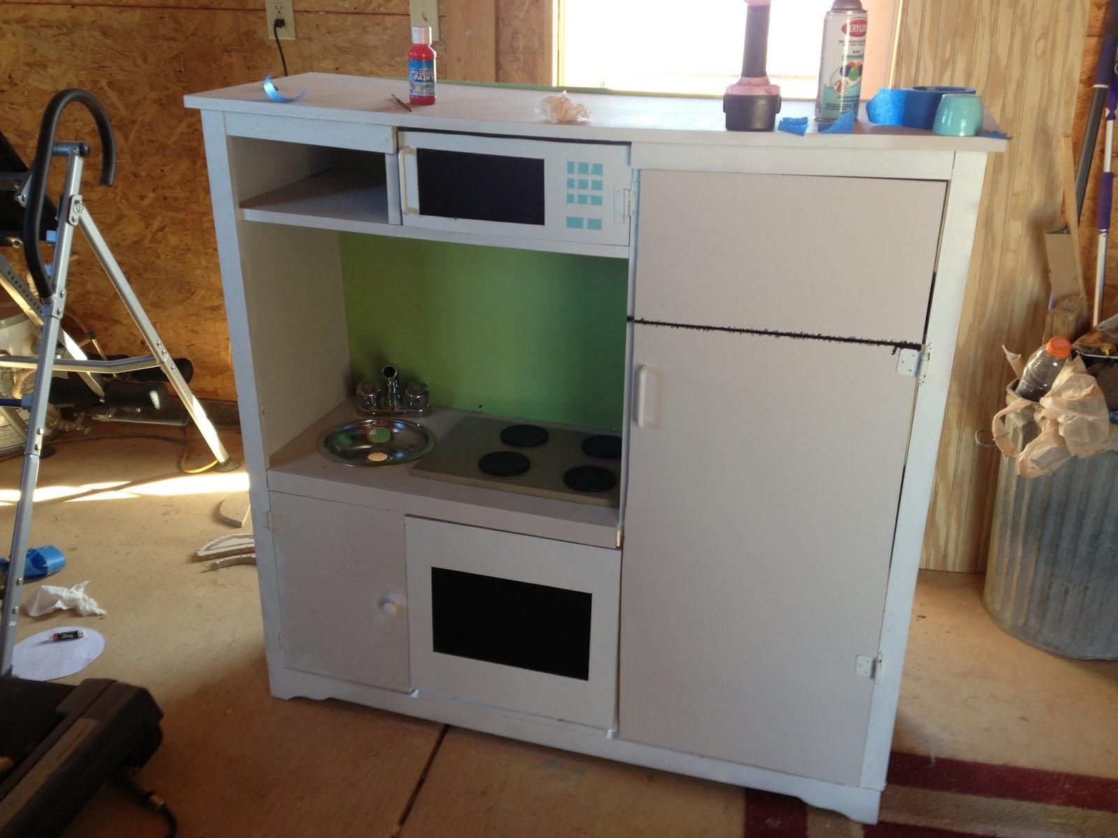 Woodrigued kids kitchenette for Childrens kitchenette