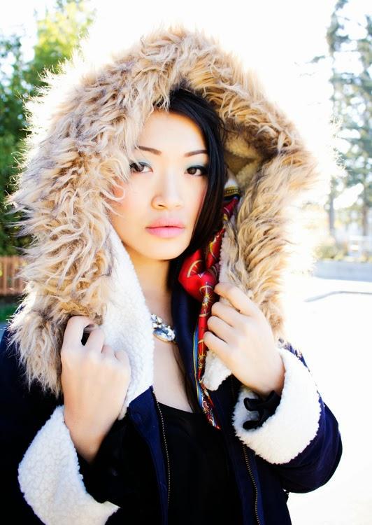 Vancouver fashion blogger jasmine zhu wearing ROMWE Hooded Pocketed Navy Coat