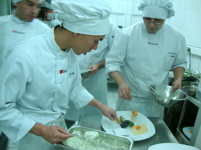Que no se te queme el arroz el inside de un taller de cocina for Cuarto frio cocina
