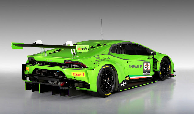 2015 Lamborghini Huracan GT3 - Rear Wallpaper