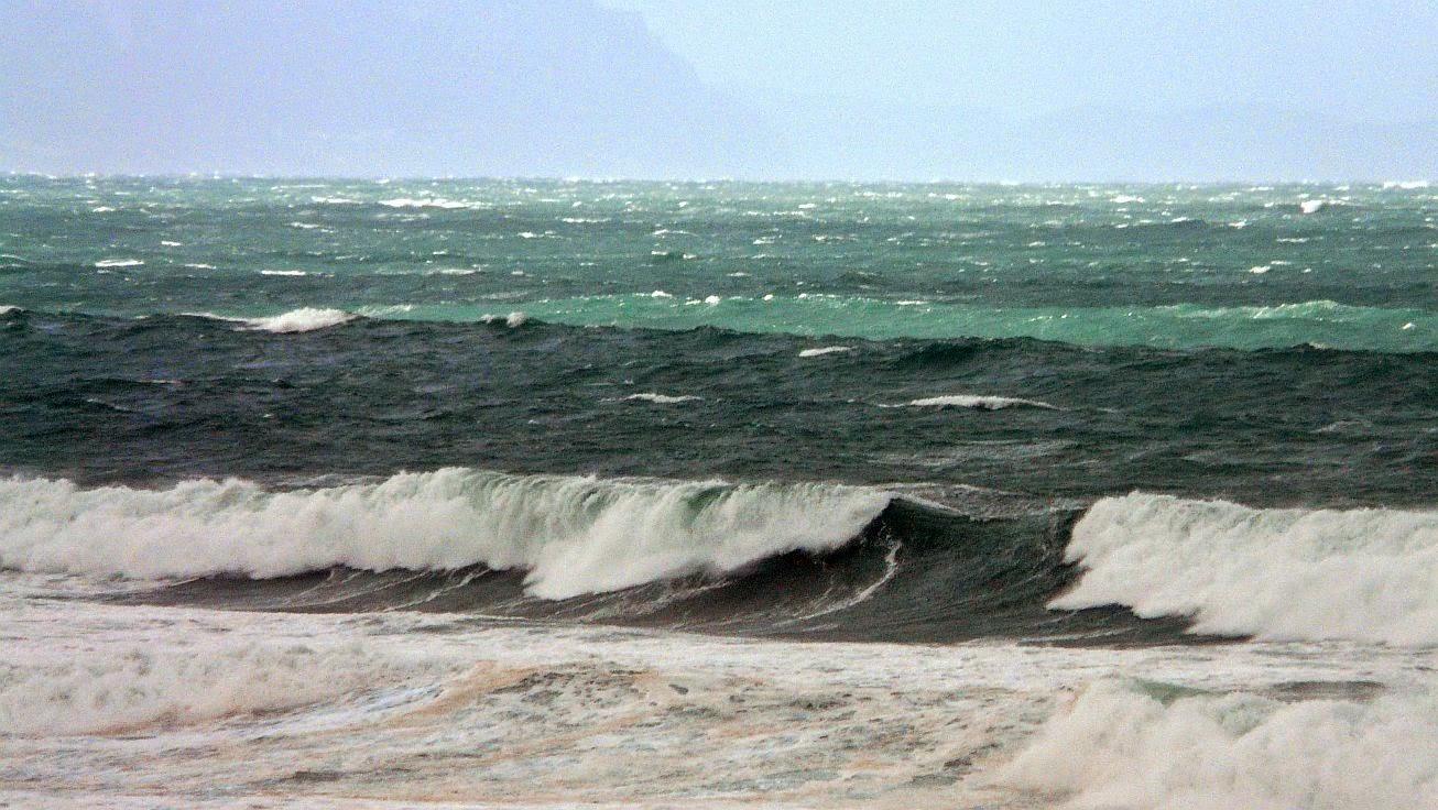 tormenta sopela playa 06