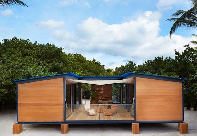 Charlotte Perriand Strandhaus auf Design Miami - Minimalismus in Holz pur