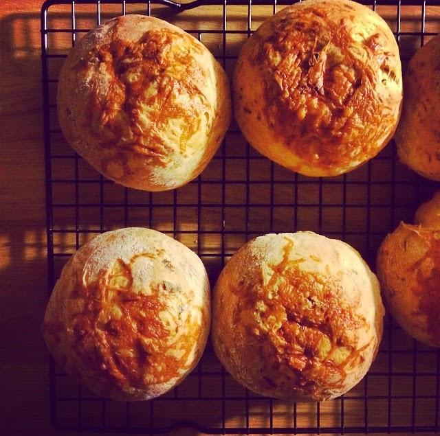 courgette zucchini parmesan bread rolls
