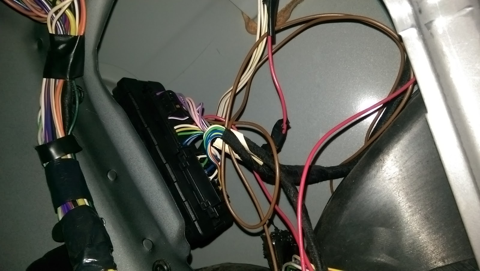 Stupendous Dashcam Reversing Camera To Chrysler Grand Voyager Wiring 101 Swasaxxcnl