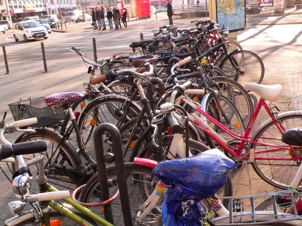 Fahrrad Köln Blogparade Rad radeln fietsen fahrradständer