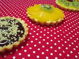 Tartaletas de fruta y de chocolate