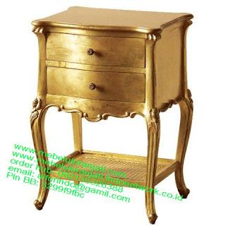 Nakas klasik jepara,Mebel jepara mebel jati jepara mebel jati ukiran jepara nakas jati ukir klasik cat duco classic furniture jati jepara code NKSJ 189 nakas klasik gold leaf