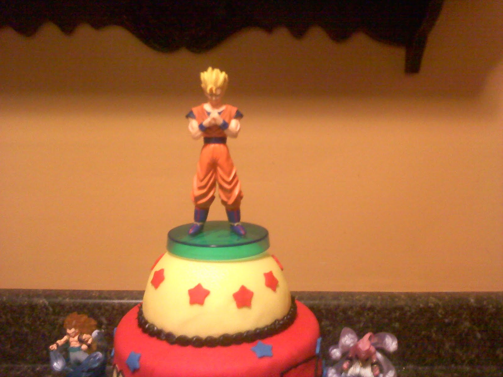 Ballroom Cake Design : Lick Your Lips Cakes: DragonBall Z Cake