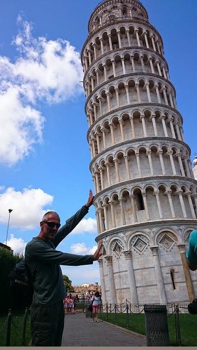 Carnets de voyages de quel c t penche la tour de pise - Inclinaison de la tour de pise ...