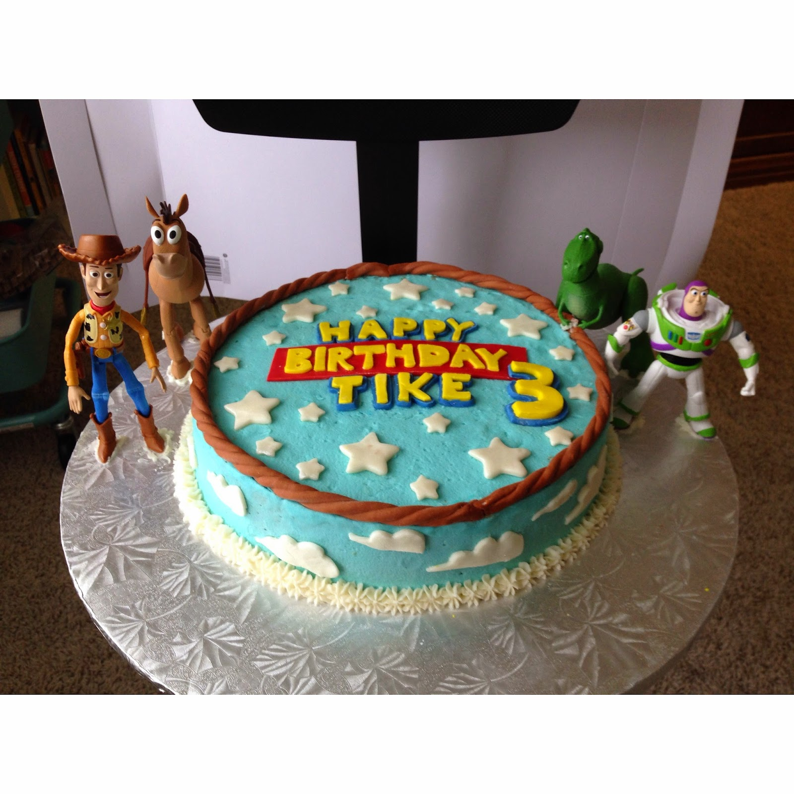 simple toy story cakes