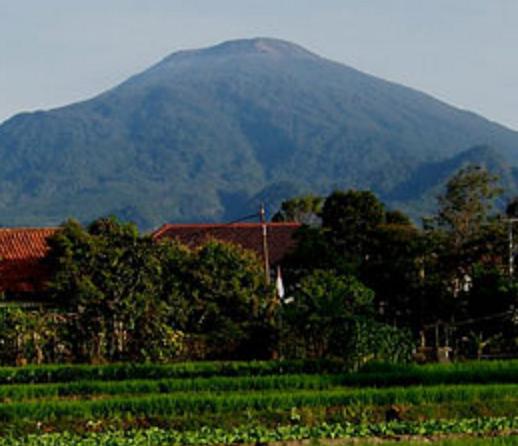 Tempat Wisata di Kuningan Jawa Barat Gunung Ciremai