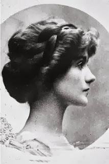 Gabrielle Coco Chanel 26 - 1909 - Photo Courtesy of Chanel