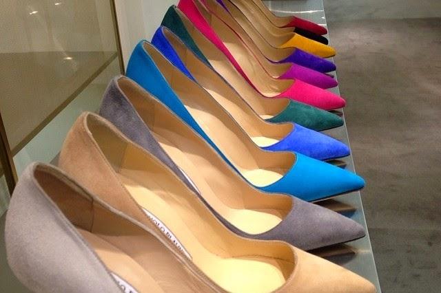 88cf84121be Ποια γυναίκα δεν λατρεύει τα παπούτσια αγαπημένες μου; (Σε προκαλώ να τη  βρεις αν υπάρχει και θα κερδίσεις ένα πολυμίξερ με πολλή αγάπη!)