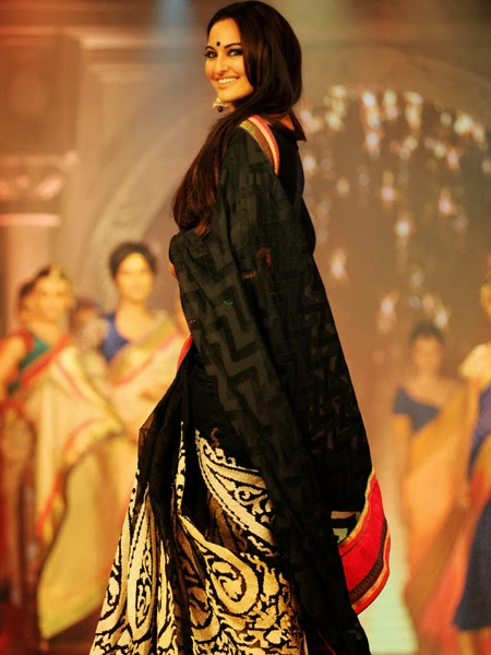 Sonakshi Sinha In Black Saree Pics