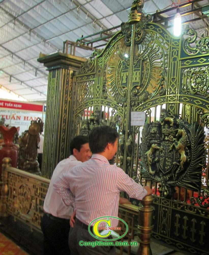 cửa cổng, cổng biệt thự