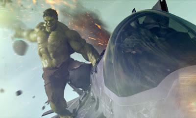 Imagen de Hulk destrozando un avión