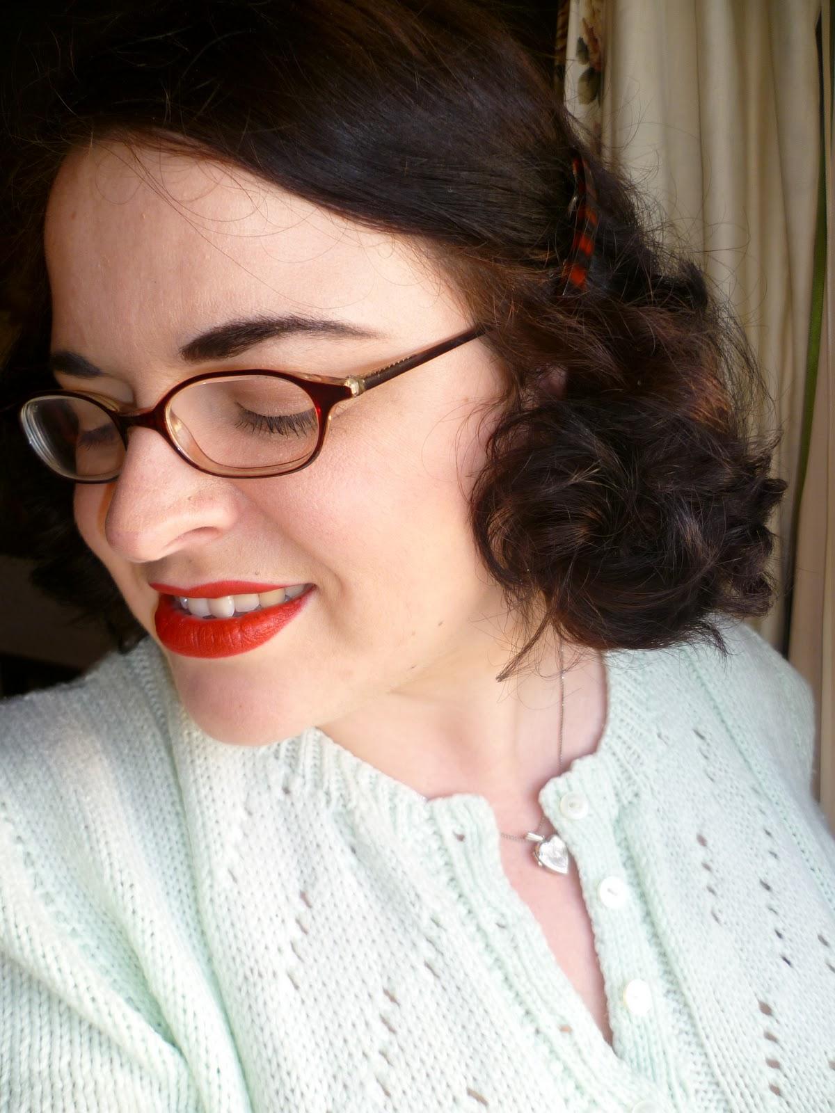 http://4.bp.blogspot.com/-H0X3vr7QlOs/TwjGEUX-GzI/AAAAAAAACE4/DbuFzSTbEak/s1600/hairshort%2B057.JPG