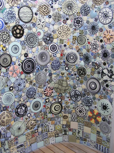 How to mosaic and make beautiful objects for home and for Garden wall mosaic designs