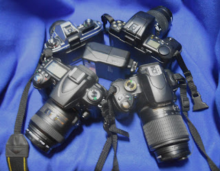 photo of cameras arranged in a flash mob alert circle.