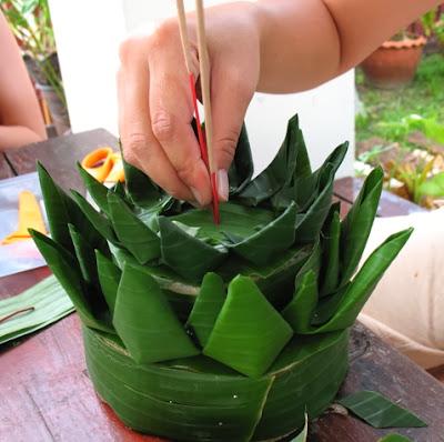 Making a krathong for Loy Krathong