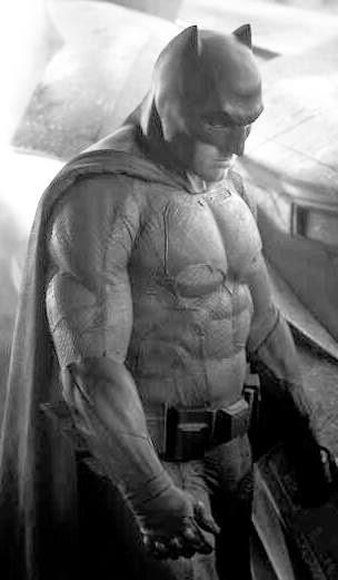 first pic of Ben Affleck as Batman in BATMAN vs SUPERMAN