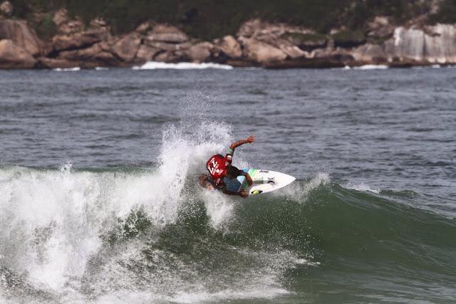 24 Filipe Toledo Oi Rio Pro WSL  Kelly Cestari