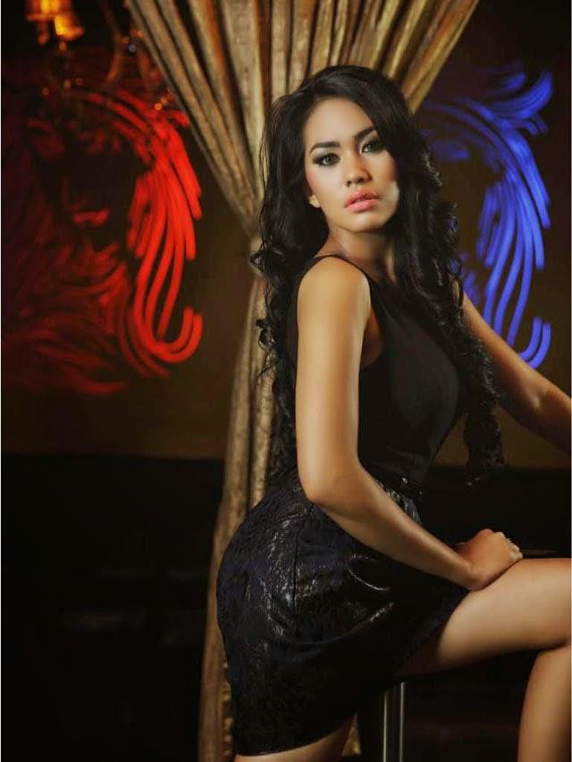 Foto Hot dan seksi Kartika Putri