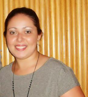 http://livrocomdieta.blogspot.com.br/2013/11/dores-e-amores-danielle-medeiros-de.html