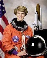 http://4.bp.blogspot.com/-H2OUQuW-k2M/TsfEKOZklmI/AAAAAAAAOOU/Hpww3Yn-KCM/s1600/220px-Commander_Eileen_Collins_-_GPN-2000-001177MA28892090-0033.jpg