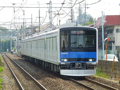 東武野田線 大宮行き 60000系